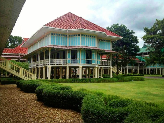 Картинки по запросу summer residence of Rama VI Hua Hin